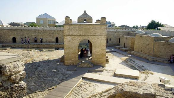 Khám phá những ngọn lửa bất diệt ở Azerbaijan - Ảnh 7.