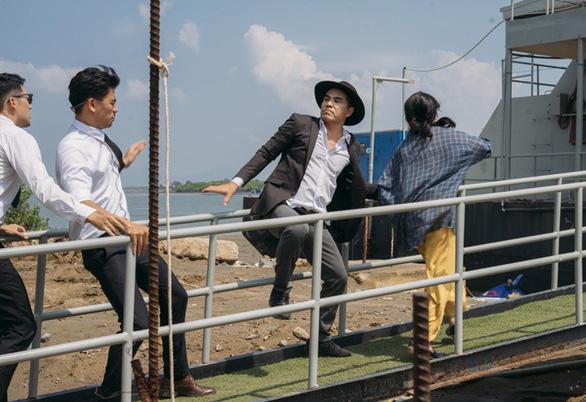 Vy Oanh mang nhiều cảnh hành động vào MV Đường tình chia hai - Ảnh 3.