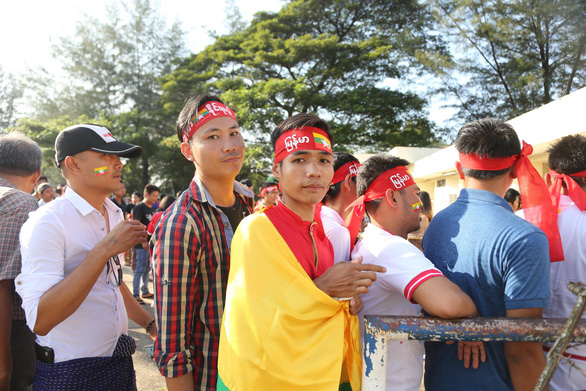 Việt Nam hòa Myanmar trong trận cầu gây tranh cãi - Ảnh 9.