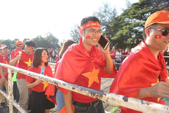 Việt Nam hòa Myanmar trong trận cầu gây tranh cãi - Ảnh 10.