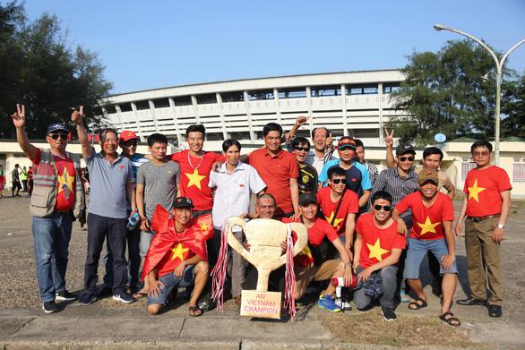 Việt Nam hòa Myanmar trong trận cầu gây tranh cãi - Ảnh 7.