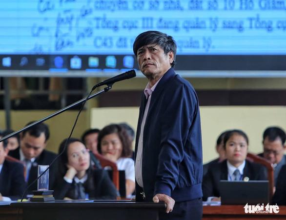 Bị cáo Nguyễn Thanh Hóa phản cung, không nhận bảo kê đánh bạc - Ảnh 1.