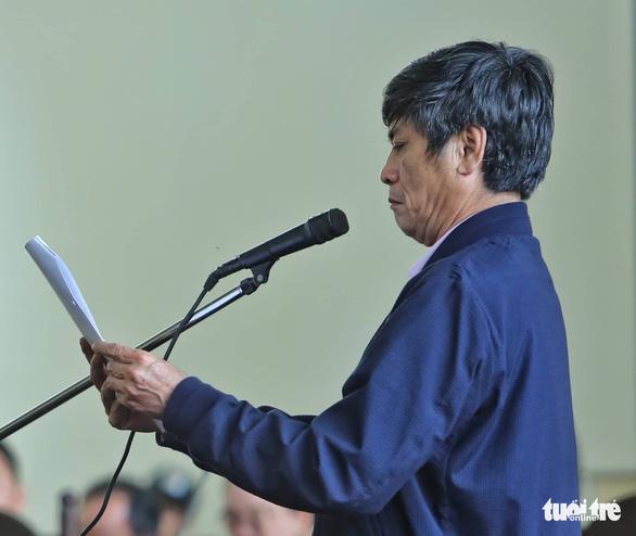 Bị cáo Nguyễn Thanh Hóa phản cung, không nhận bảo kê đánh bạc - Ảnh 2.