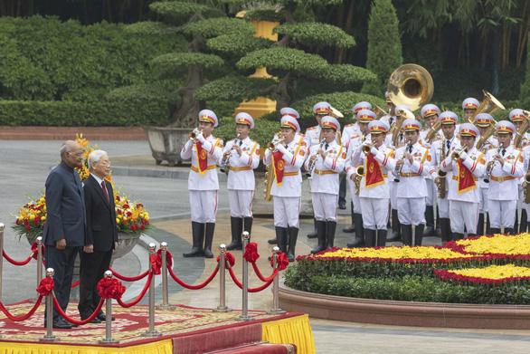 Chủ tịch nước Nguyễn Phú Trọng đón tiếp Tổng thống Ấn Độ Kovind - Ảnh 1.