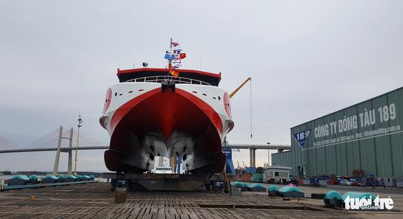 Hạ thủy tàu cao tốc hai thân 'khủng' nhất Việt Nam - Ảnh 2.