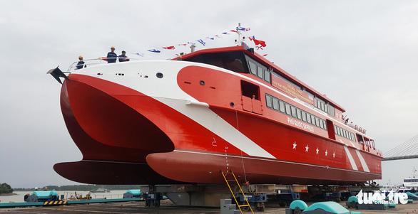 Hạ thủy tàu cao tốc hai thân 'khủng' nhất Việt Nam - Ảnh 3.