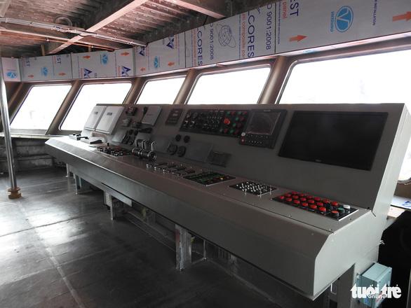 Hạ thủy tàu cao tốc hai thân 'khủng' nhất Việt Nam - Ảnh 4.