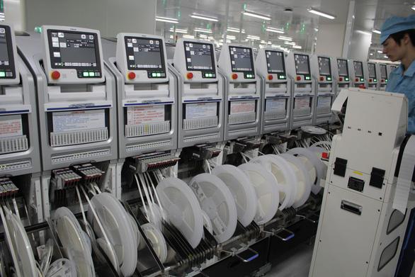 Quy trình sản xuất smartphone tại nhà máy của OPPO - Ảnh 1.