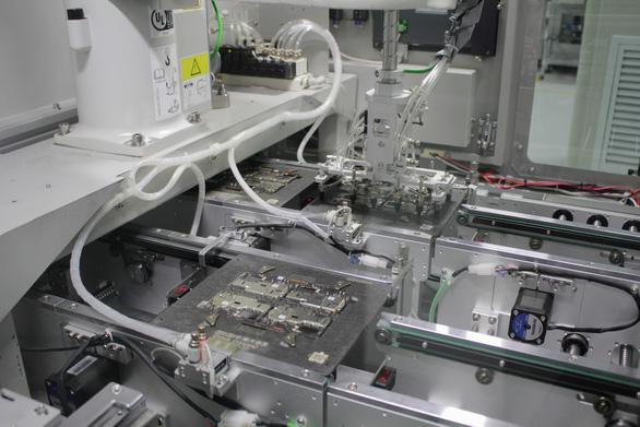 Quy trình sản xuất smartphone tại nhà máy của OPPO - Ảnh 3.
