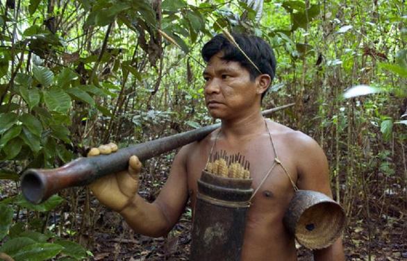 10 bộ lạc sống tách biệt và bí ẩn nhất thế giới hiện đại - Ảnh 10.