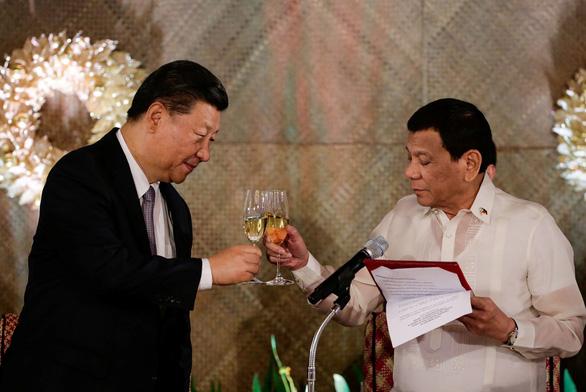 Philippines nói phán quyết Biển Đông không thực hiện được vì không ai giúp - Ảnh 2.