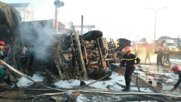 Một gia đình thoát nạn gang tấc trong vụ cháy xe bồn nhờ bình chữa cháy mini - Ảnh 3.