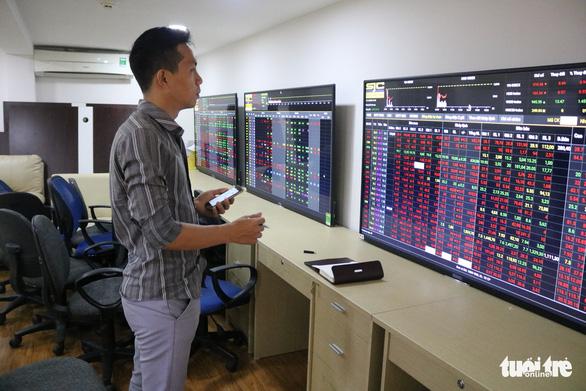 Cổ phiếu Vingroup tăng suốt tuần trước ngày VinFast ra mắt tại TP.HCM - Ảnh 1.