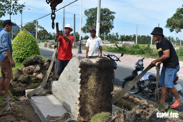 Đặt 76 tượng điêu khắc trên tuyến đường đẹp nhất Châu Đốc - Ảnh 3.