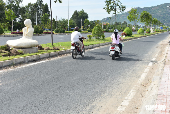 Đặt 76 tượng điêu khắc trên tuyến đường đẹp nhất Châu Đốc - Ảnh 5.