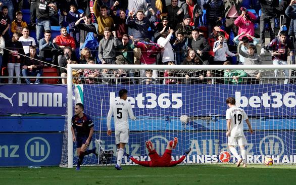 Real Madrid bị làm nhục ở Ipurua Municipal - Ảnh 3.