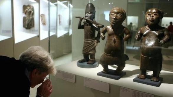 Pháp trả lại 26 di sản nghệ thuật lấy của Benin - Ảnh 1.