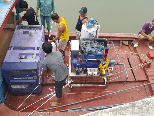 Máy làm đá tuyết từ nước biển made in Vietnam - Ảnh 4.