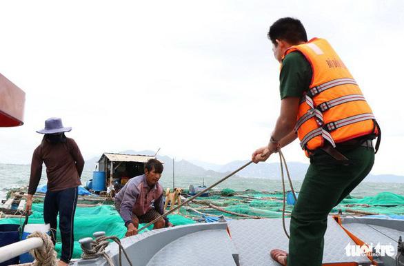 Ninh Thuận, Vũng Tàu, các tỉnh miền Tây dồn lực chống bão - Ảnh 6.