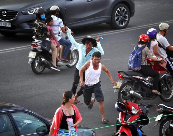 Người Việt hung dữ là sự thật phũ phàng hay để bảo vệ mình? - Ảnh 2.