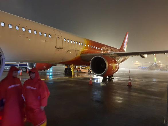 Hàng loạt chuyến bay đi, đến Vinh, Hải Phòng sẽ bị hủy trong ngày 4-7 - Ảnh 1.