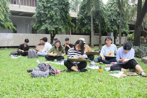 Trường đại học cho sinh viên nghỉ tết đến 49 ngày - Ảnh 1.