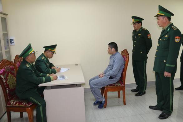 Trung Quốc bàn giao tội phạm truy nã quốc tế cho Việt Nam - Ảnh 2.