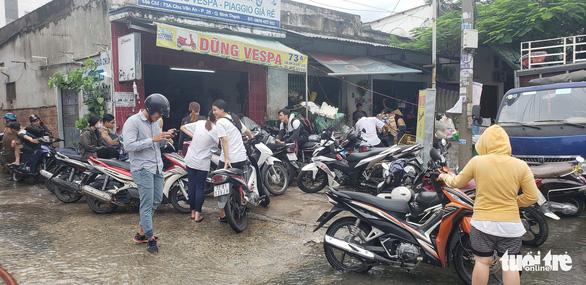Hàng trăm xe máy ngập sâu trong tầng hầm căn hộ cho thuê - Ảnh 3.