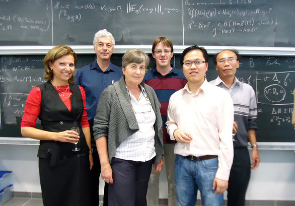 Phó giáo sư trẻ mê nghiên cứu toán học - Ảnh 1.