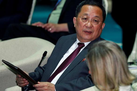 Ngoại trưởng Triều Tiên thăm Việt Nam - Ảnh 1.