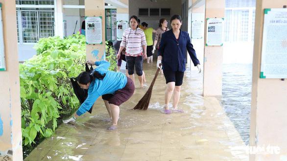 Học sinh một số trường ở TP.HCM được nghỉ thêm 1 ngày - Ảnh 4.