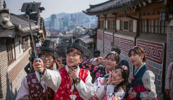 Chuyện gì xảy ra nếu ở quá hạn visa du lịch Hàn Quốc? - Ảnh 1.