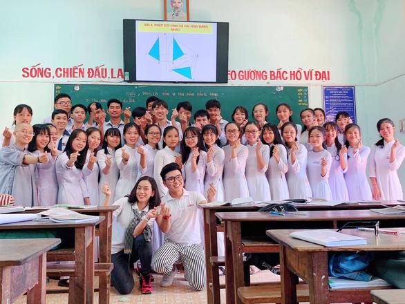 Học bổng của Bia Saigon đến với các em học sinh nghèo miền Trung - Ảnh 3.