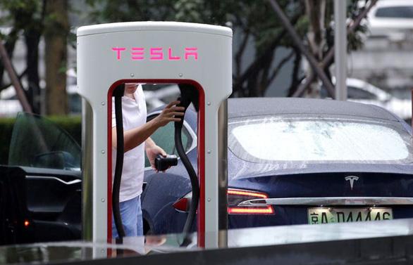 Tesla giảm 70% doanh số ở Trung Quốc vì chiến tranh thương mại? - Ảnh 1.