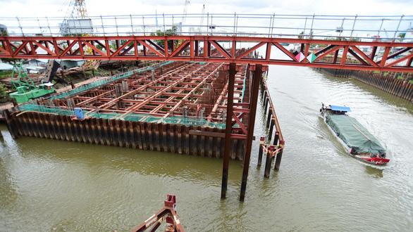 Dự án chống ngập 10.000 tỉ đình trệ, nguy cơ tai nạn đường thủy - Ảnh 1.