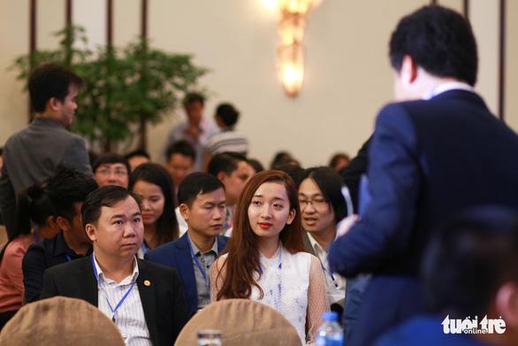 Thủ tướng Nguyễn Xuân Phúc đối thoại với người trẻ khởi nghiệp - Ảnh 2.