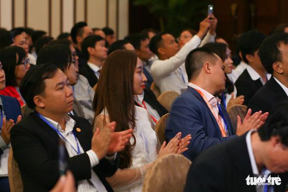 Thủ tướng Nguyễn Xuân Phúc đối thoại với người trẻ khởi nghiệp - Ảnh 7.