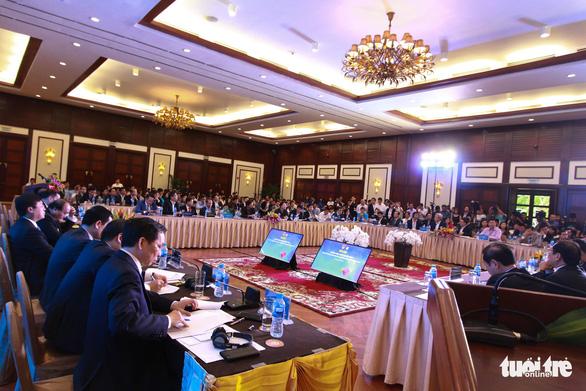 Thủ tướng Nguyễn Xuân Phúc đối thoại với người trẻ khởi nghiệp - Ảnh 3.
