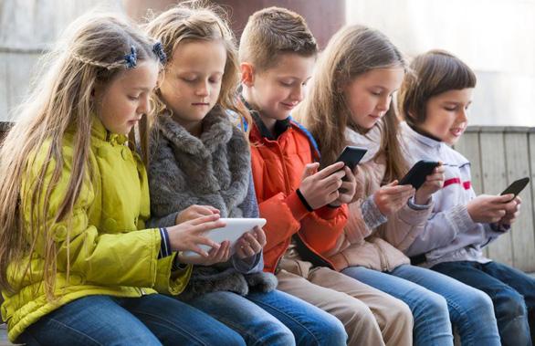 Nước ngoài dạy học sinh dùng smartphone, iPad ra sao? - Ảnh 1.