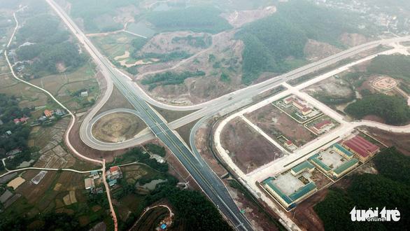 Đường cao tốc 12.000 tỉ giúp Hà Nội đi Vân Đồn chỉ còn 2,5 giờ - Ảnh 9.