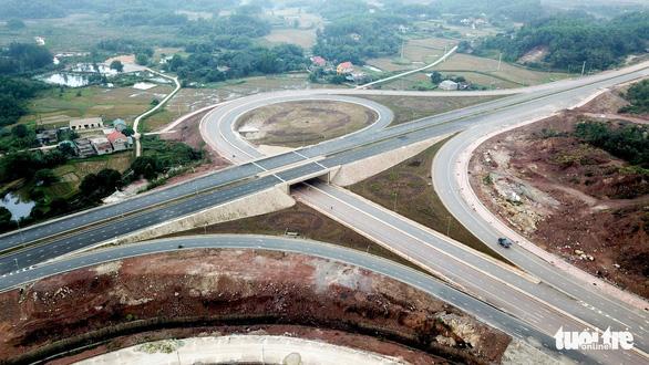 Đường cao tốc 12.000 tỉ giúp Hà Nội đi Vân Đồn chỉ còn 2,5 giờ - Ảnh 2.