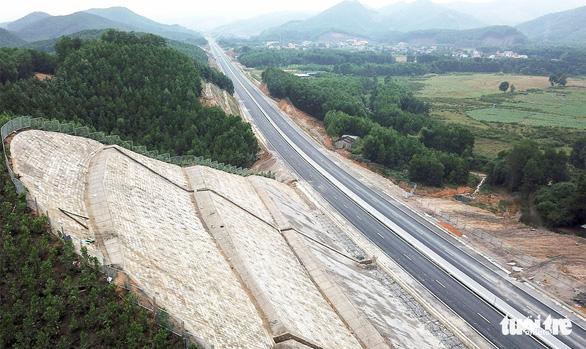 Đường cao tốc 12.000 tỉ giúp Hà Nội đi Vân Đồn chỉ còn 2,5 giờ - Ảnh 10.