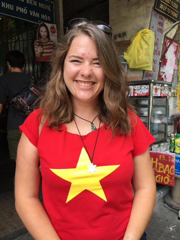 Chiếc xe hai lần mất ở Việt Nam khiến nữ du khách Lithuania khó thốt nên lời - Ảnh 3.