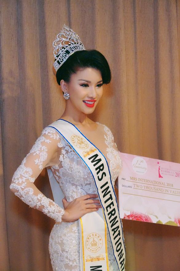 Tiếp viên Vietnam Airlines đăng quang Hoa hậu Quý bà quốc tế 2018 - Ảnh 4.