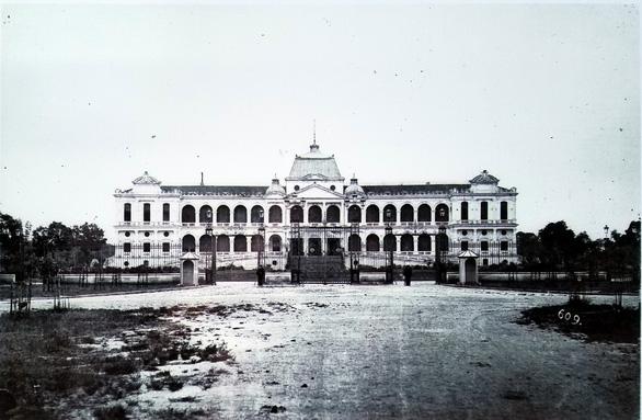 Ấn tượng về kiến trúc Pháp trên phố đi bộ Nguyễn Huệ - Ảnh 7.