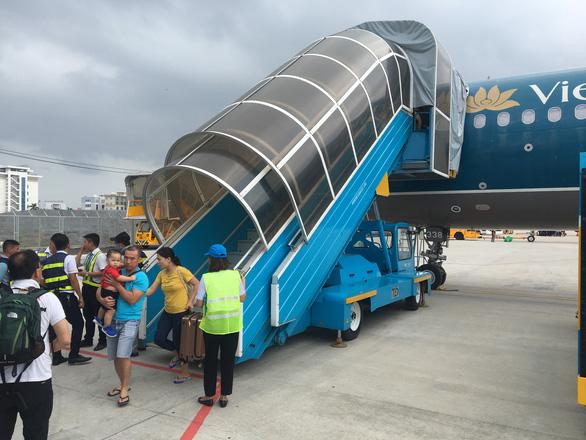 Máy bay Vietnam Airlines gặp sự cố kỹ thuật ở Đà Nẵng - Ảnh 1.