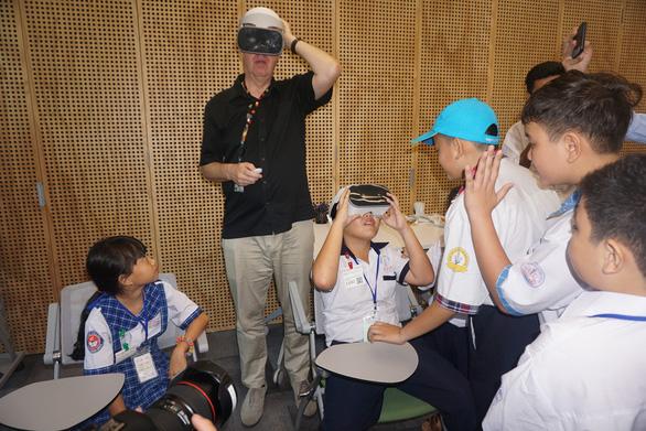 Một ngày của học trò Việt ở Google châu Á - Thái Bình Dương - Ảnh 2.