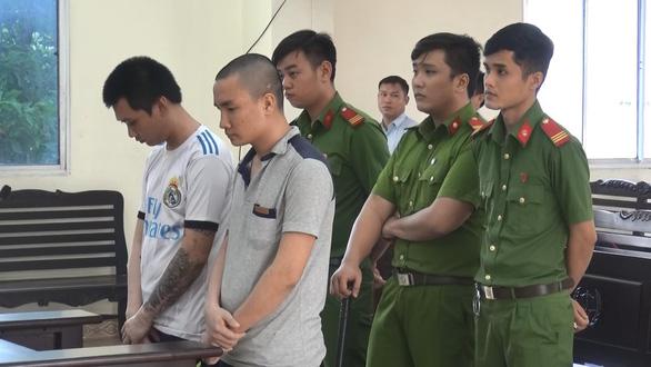 Truy tố tội giết người đối tượng chuyển thuốc lá lậu tông xe CSGT - Ảnh 1.