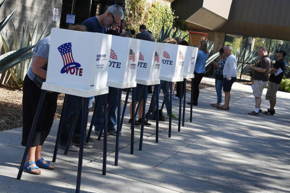 Bầu cử giữa kỳ Mỹ: chi phí 5,2 tỉ USD - Ảnh 1.