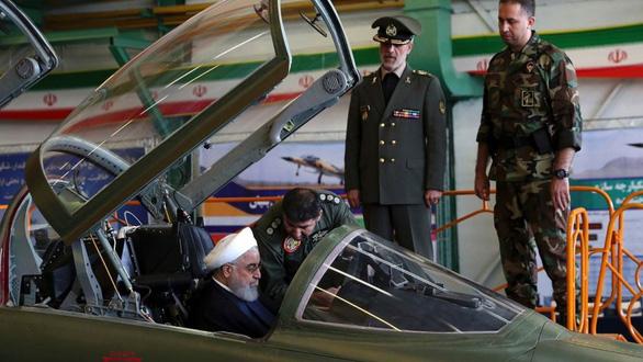 Iran tập trận bằng vũ khí tự làm - Ảnh 2.